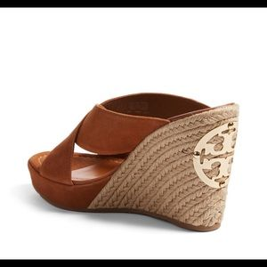 e06546e0645 Tory Burch Shoes - 👡NEW👡TORY BURCH ESPADRILLE WEDGE👡
